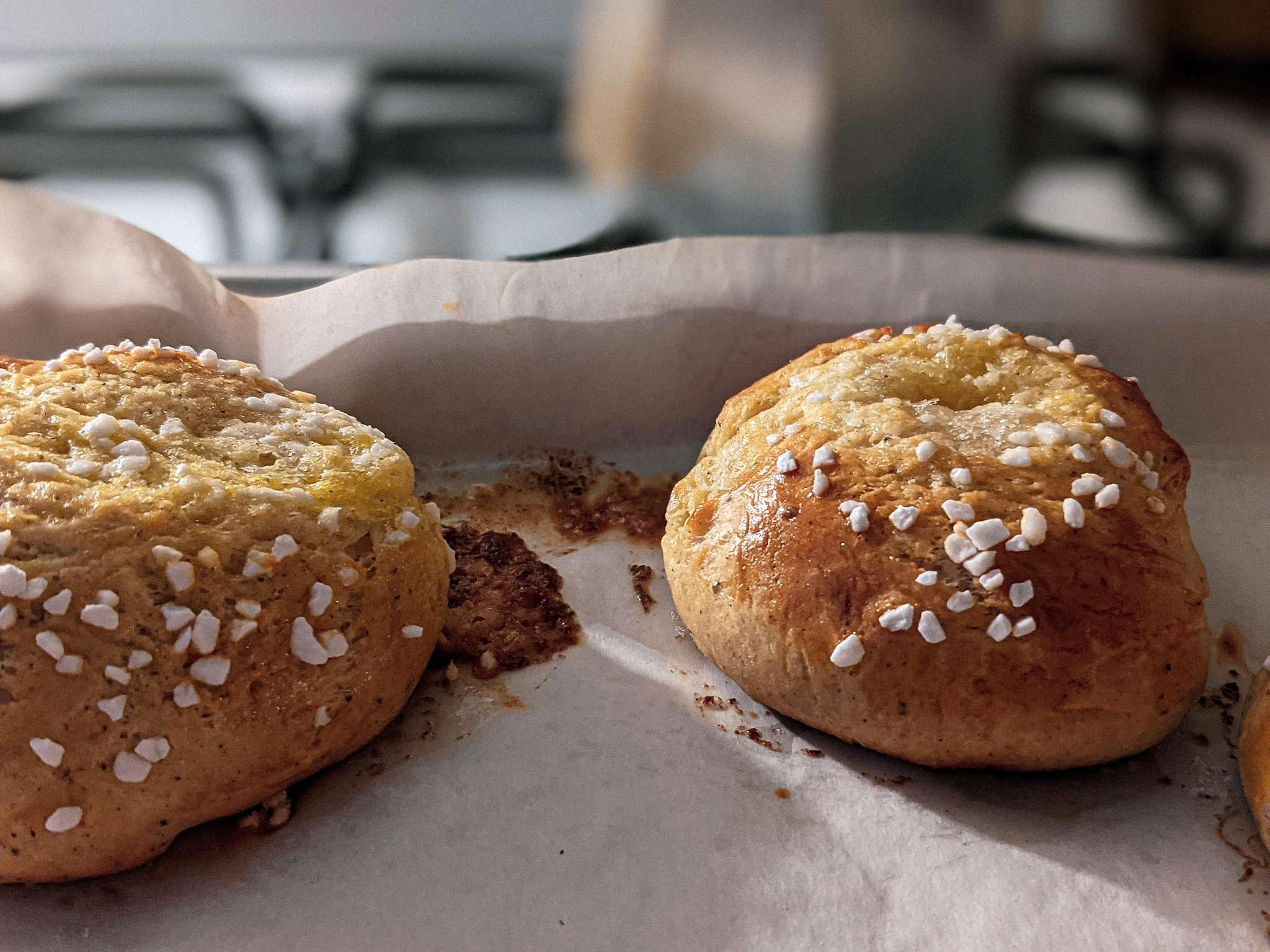Voisilmäpulla (Finnish Butter-Eye Buns) and Memories of Helsinki